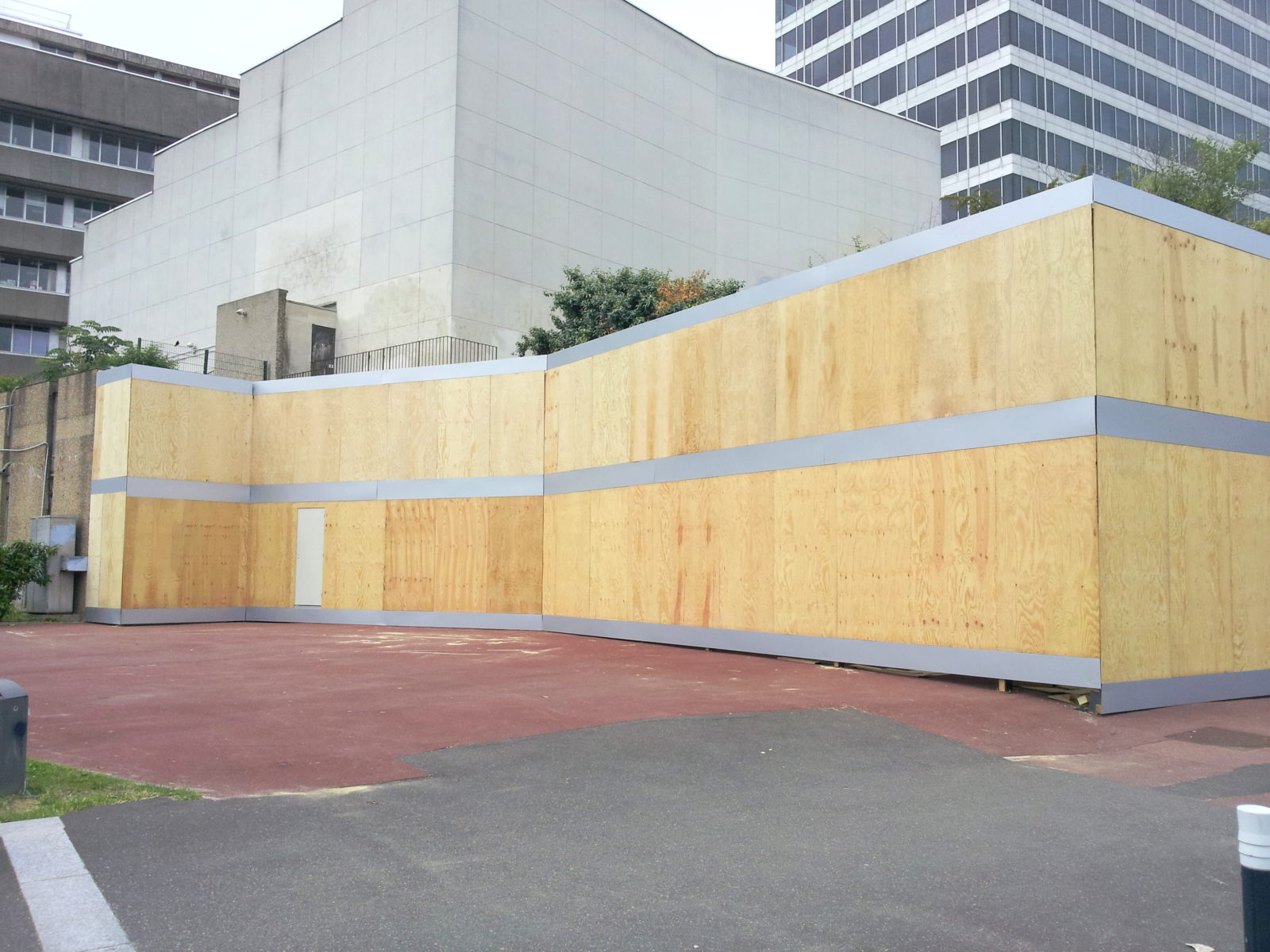 Habillage façade bois - Cinéma Cergy Pontoise