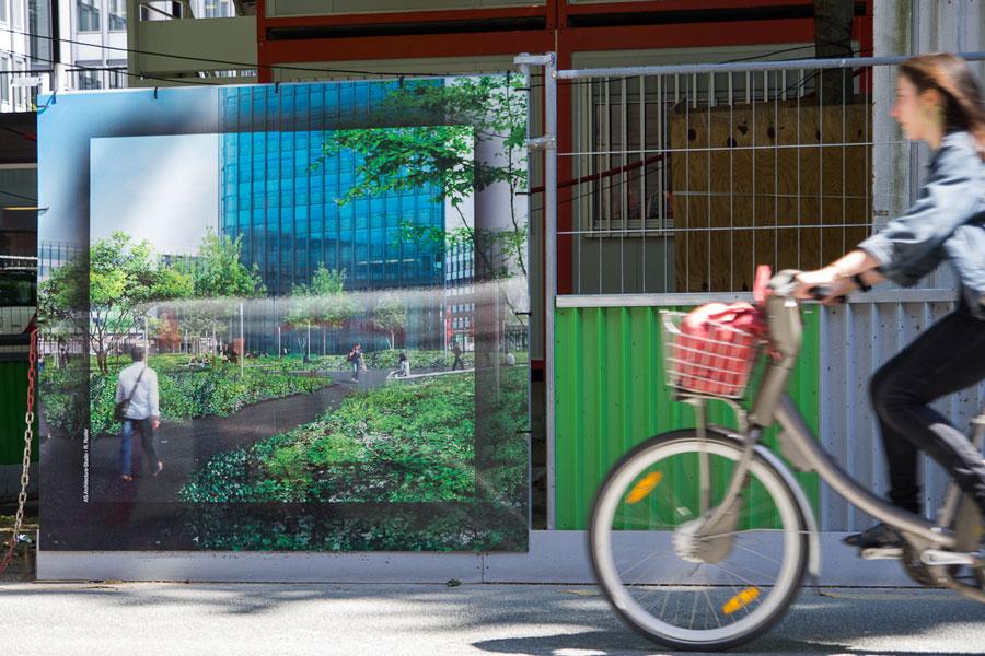 panneaux sur cloture chantier